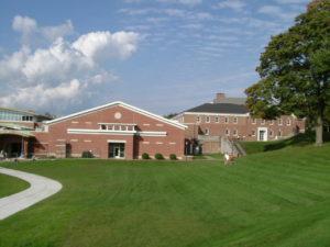 養蜂実習 ― アメリカ東海岸の私立高校にて